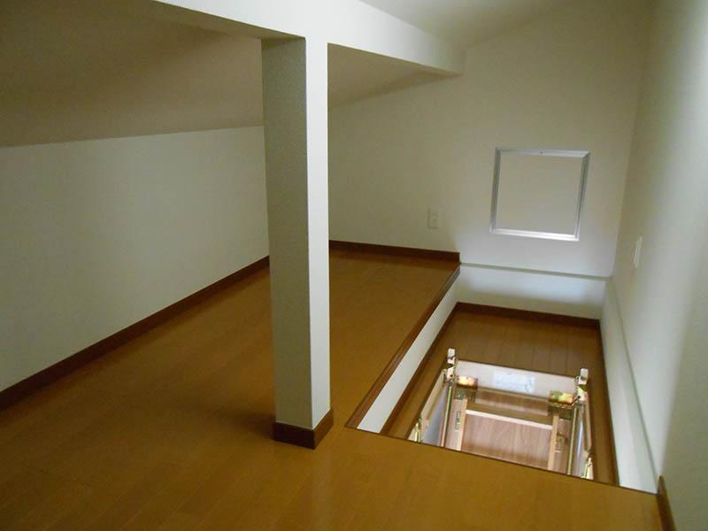屋根裏部屋3