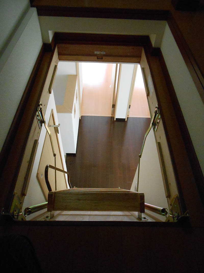 屋根裏部屋4